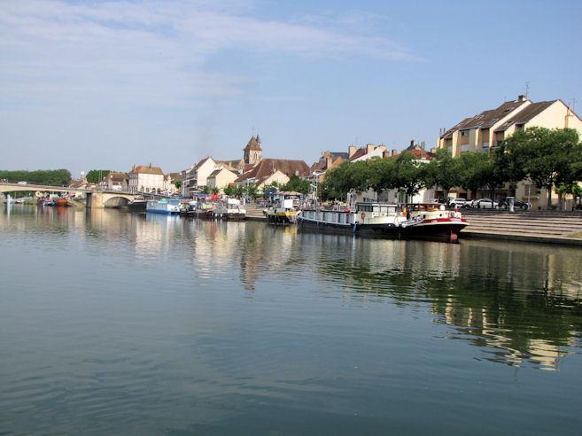 Leaving St Jean de Losne ... again!